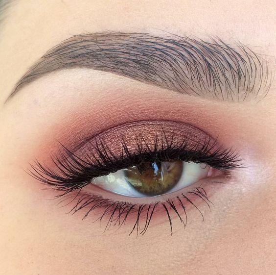 Макияж в розовом цвете