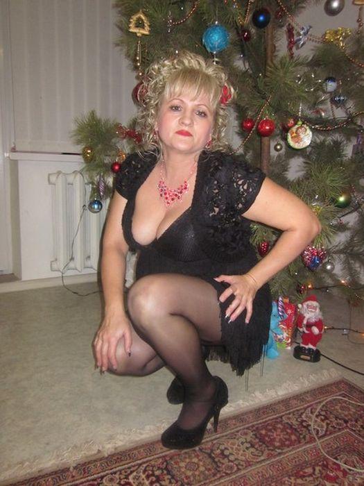 golaya-blondinka-chastnoe-foto
