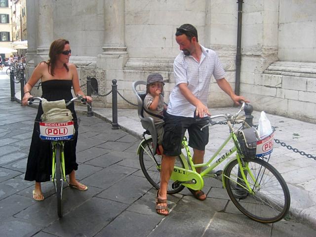 Мандрівники з дітьми: aroundtheworldwithluca.com