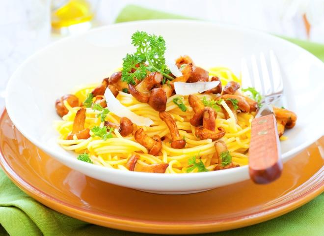 Салат из шампиньонов - легкая закуска на ужин