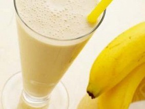 Теплое банановое молоко