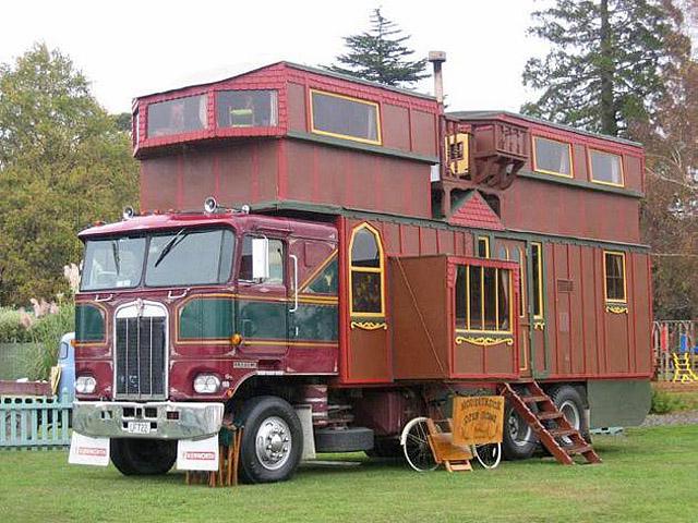 Оригінальні будинку на колесах: Complex House Trucks New Zealand