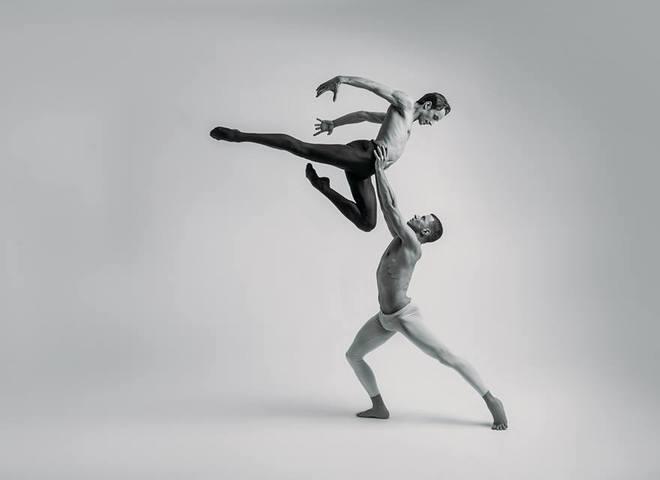 """Солист группы Kazaky станцует в легендарном балете """"Кармен-сюита"""""""