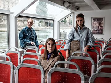Апатичный туризм в рекламном видео Balenciaga и Mytheresa