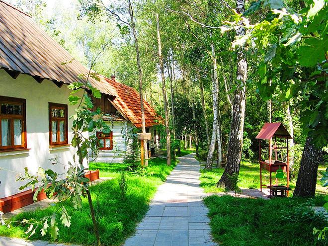 Куди з'їздити на вихідні: етнографічний комплекс Українське село