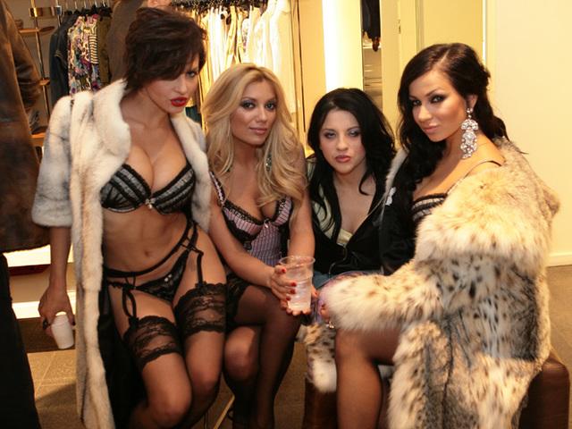 Шоу бизнес проституток индивидуалка мулатку