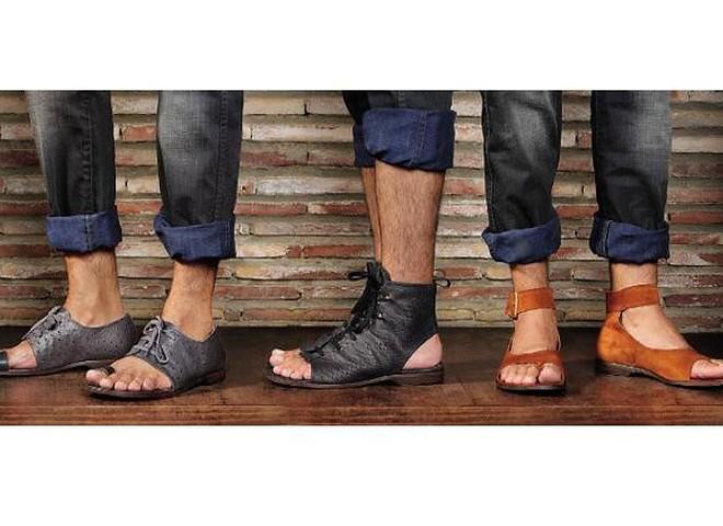 Chie Mihara: чоловіки з модними ногами