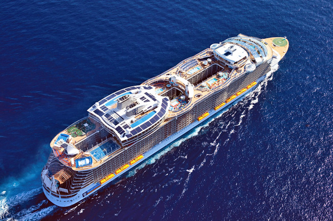 Топ-10 самых больших круизных лайнеров