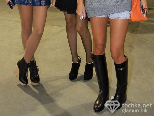 Лиза Ющенко оголила стройные ножки