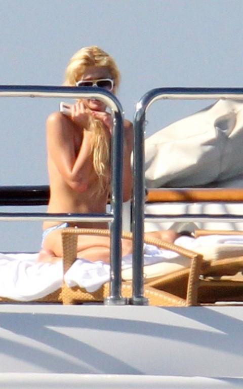 naked pic of paris hilton  369030