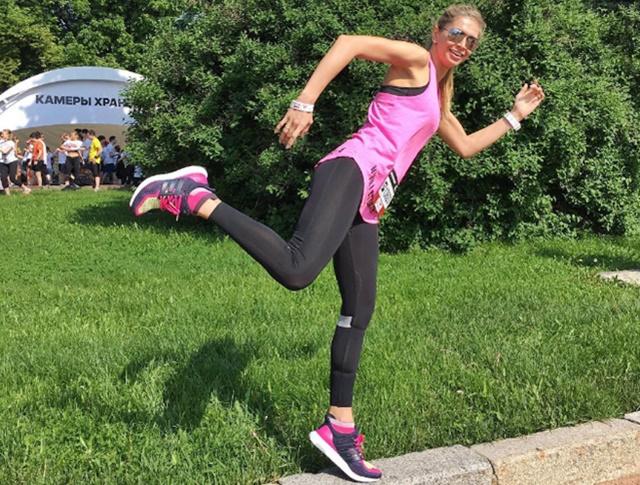 Віра Брежнєва представила ідеальний плейлист для пробіжки