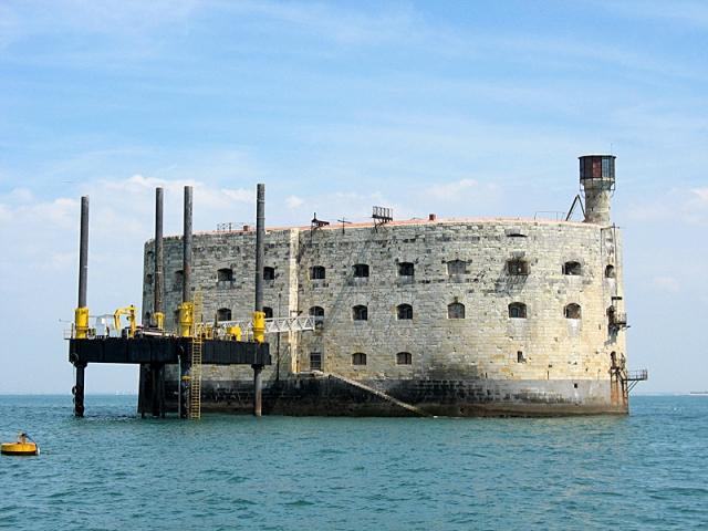 ТВ-путешествие: посетите знаменитый форт Буаяр