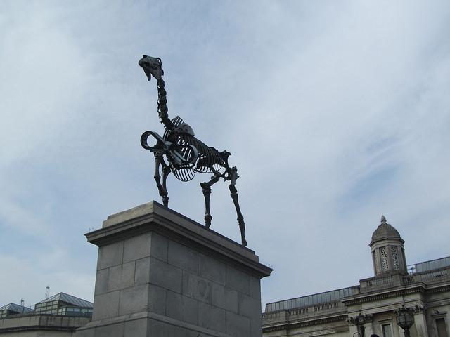 Дарований кінь: нова скульптура на Трафальгарській площі