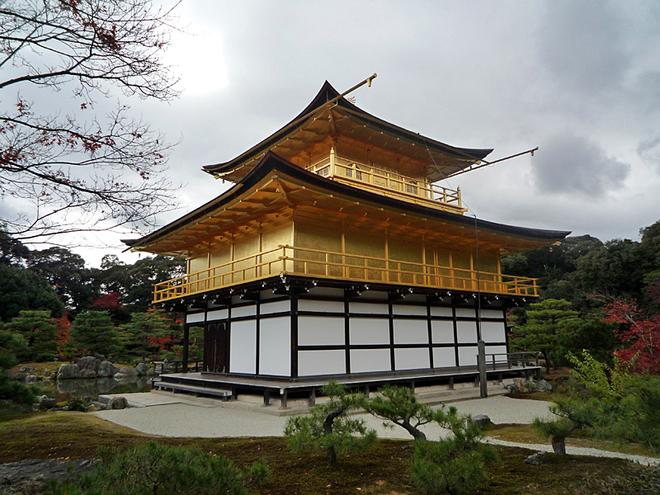 Золотий храм Кінкаку-дзі