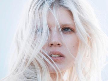 Модный оттенок волос - жгучий блонд