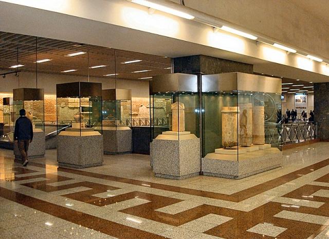 Цікаві місця Афін: Станція метро Синтагма