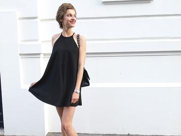 Как носить черное мини-платье: 5 примеров знаменитостей