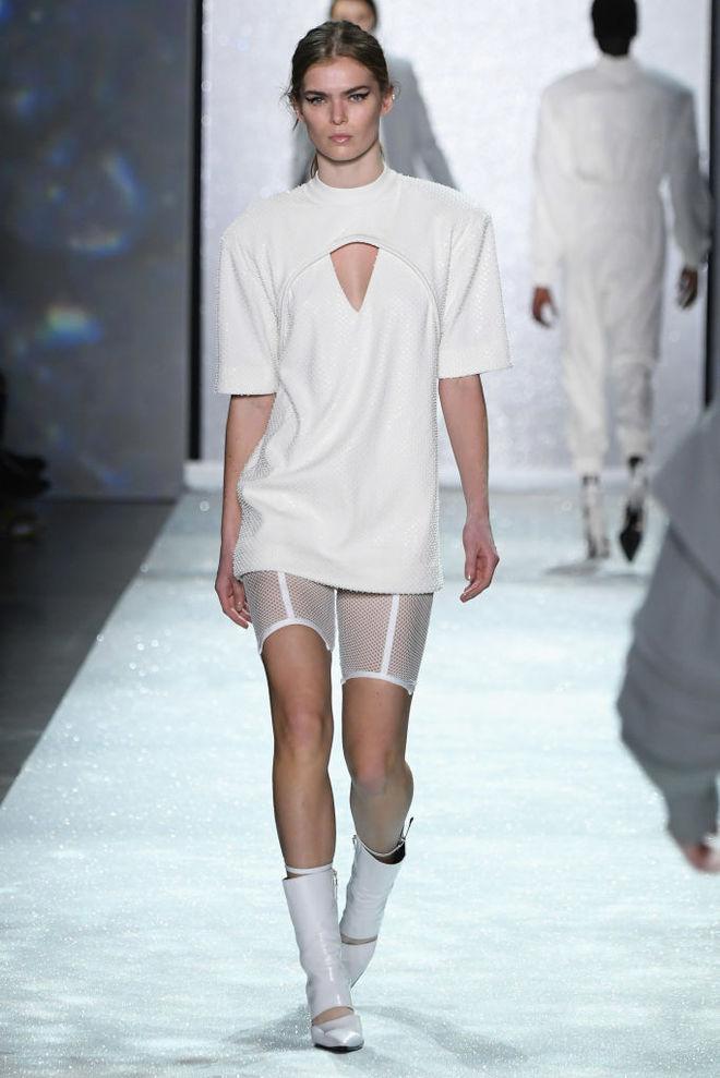 6 способов носить сетку в одежде