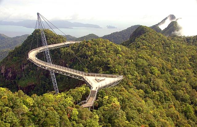 Необычные сооружения нашей планеты: «Небесный мост» Langkawi Sky, Малайзия
