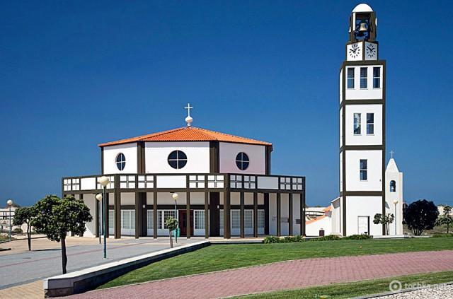 Куда поехать на один день из Порту: городок Коста Нова