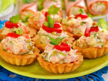Чим начинити тарталетки? Рецепт салату в тарталетках на свято і на кожен день
