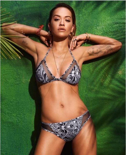 Рита Ора в рекламной кампании купальников Tezenis