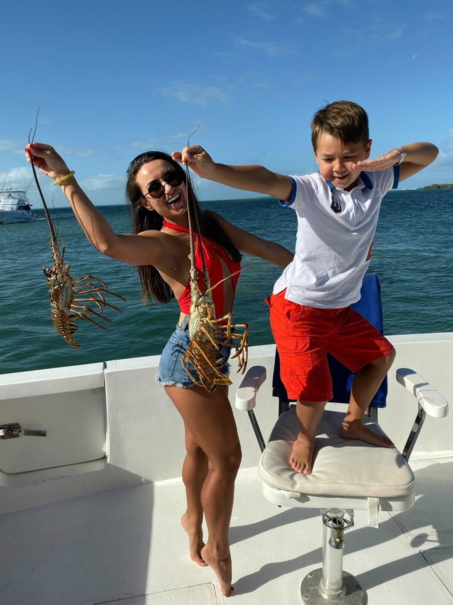 Аня Олицкая на Кубе с сыном