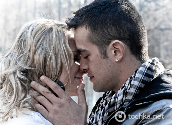 Видео как целуют стопы девушкам