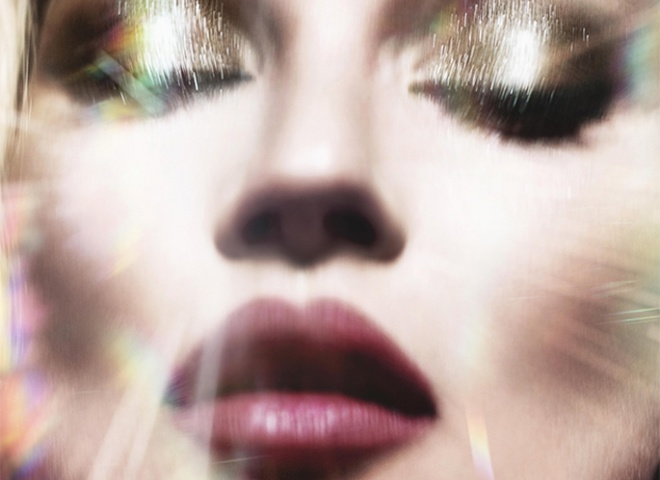 Кейт Мосс стала лицом дебютного аромата визажиста Шарлотт Тилбери