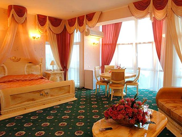 Найромантичніші готелі Україні: 1001 ніч, Ялта