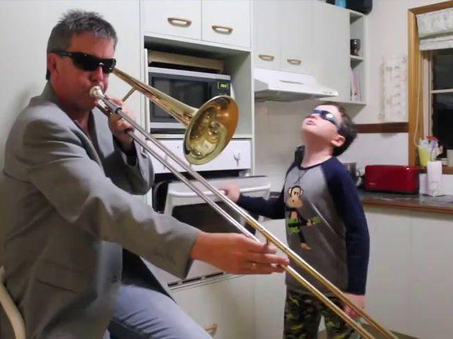 Скачать музыку из видео когда мамы нет дома: repair-routine. Ml.
