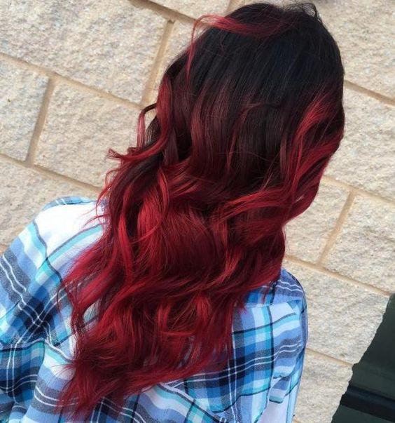Червоне омбре на волоссі