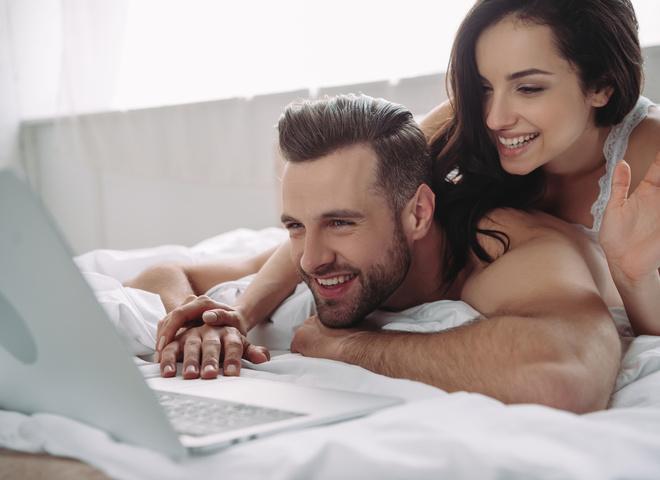 Вместе веселее: 5 причин посмотреть фильмы для взрослых с парнем