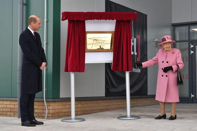 Єлизавета ІІ і принц Вільям