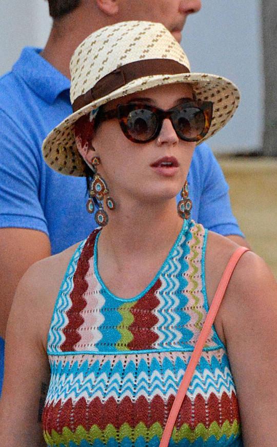 звездный тренд: летние шляпы