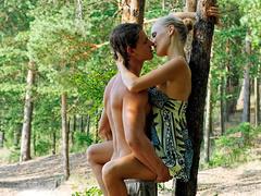 Видео секс прилюдия