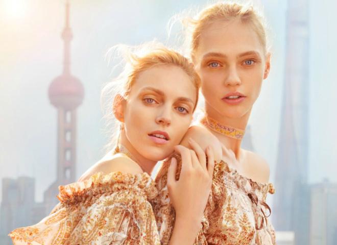 Аня Рубік та Саша Півоварова для Vogue China