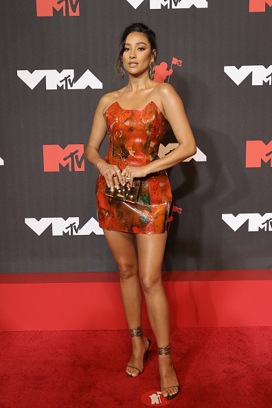 Шей Мітчелл на MTV Video Music Awards 2021