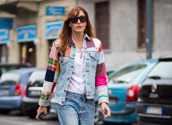 Как носить джинсовую куртку осенью: 13 стритстайл образов