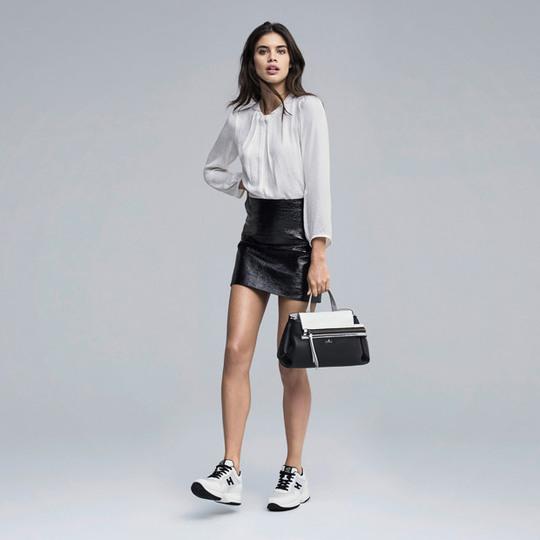 З чим носити кросівки навесні-влітку 2017: стильні образи «ангела» Victoria's Secret