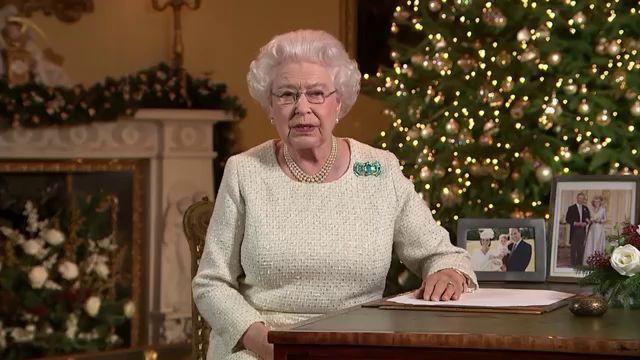 Английская королева поздравление с рождеством