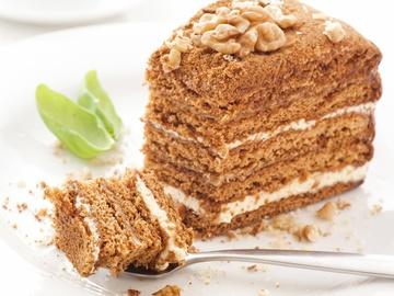 """Готуй торт """"Медовик"""" за домашнім рецептом"""
