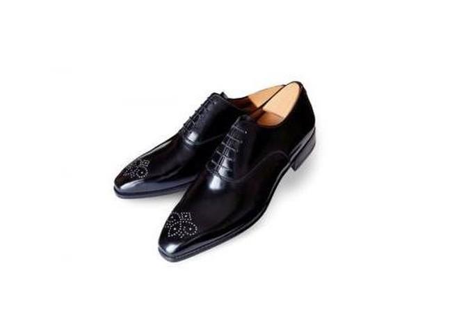 Aubercy прикрашає чоловічі туфлі діамантами