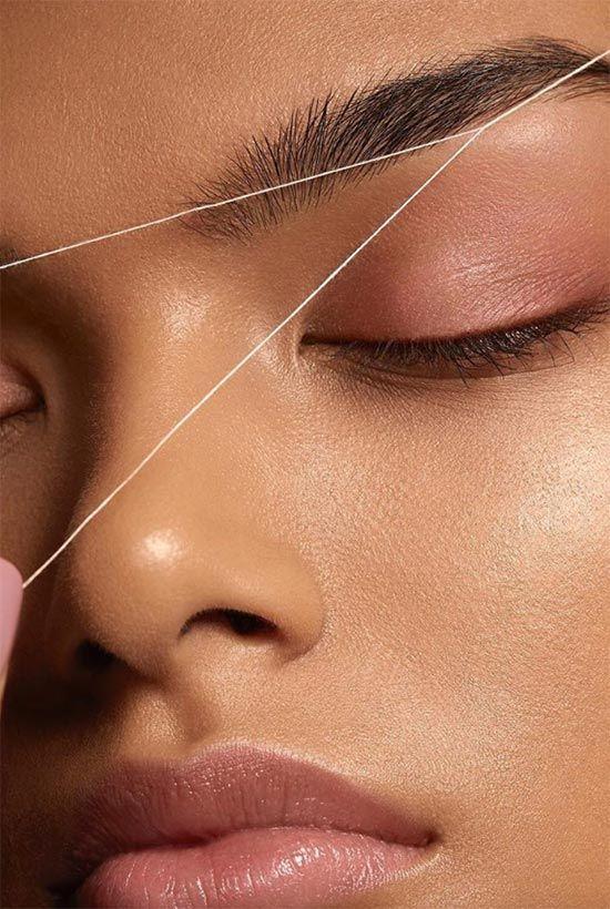 Как удалить волосы на лице нитью
