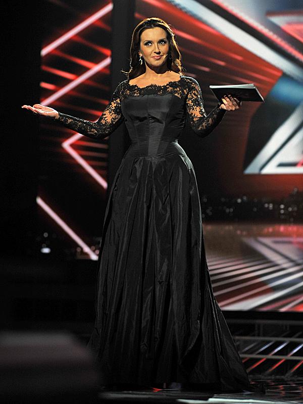 казахстанские звездные концертные платья фото орнаменты используются
