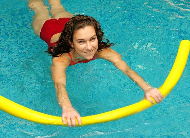Запишись на тренировку по аквааэробике и похудей