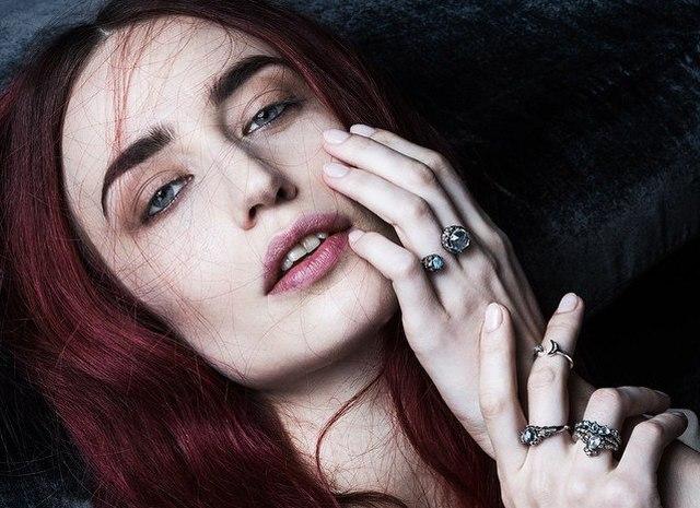 Ліззі Джаггер — нове обличчя ювелірного бренду ManiaMania
