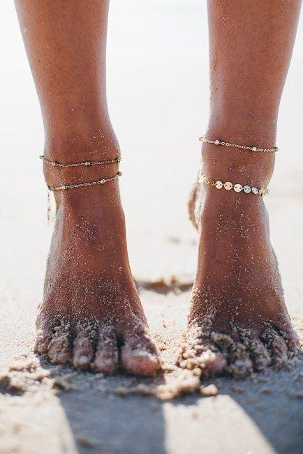 Анклеты (браслеты на ногу) — тренд пляжных украшений