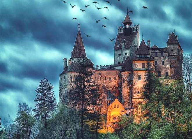Замок Дракули. Трансільванія.