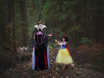 Диснеевские принцессы: мать с дочерью поразили мир невероятными образами из мультфильмов
